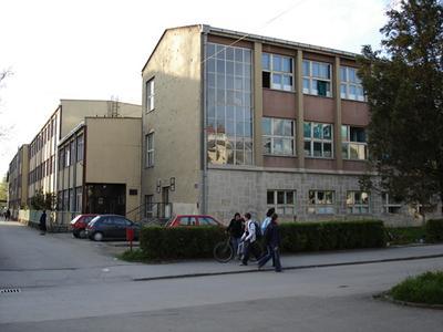 Gimnazija Lukavac