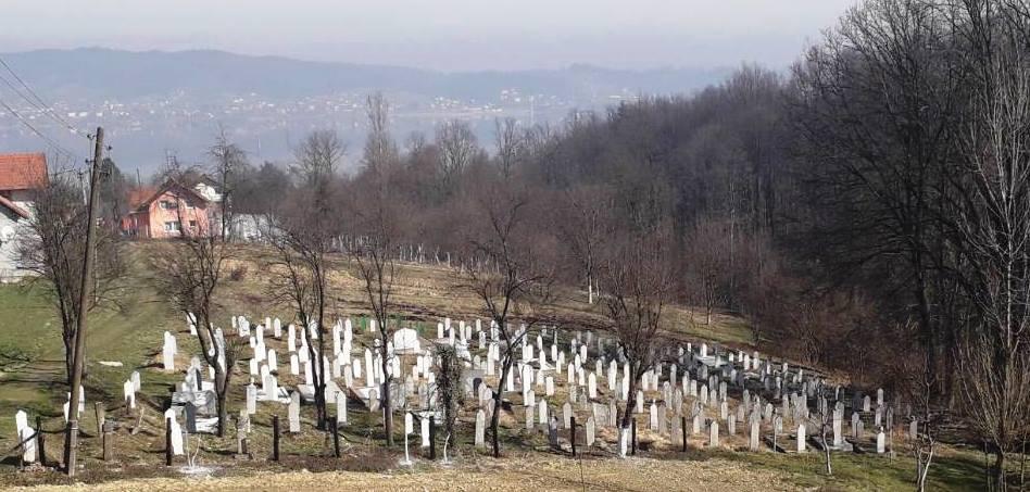 MZ Poljice Gornje: Radna akcija uređenja mjesnog mezarja