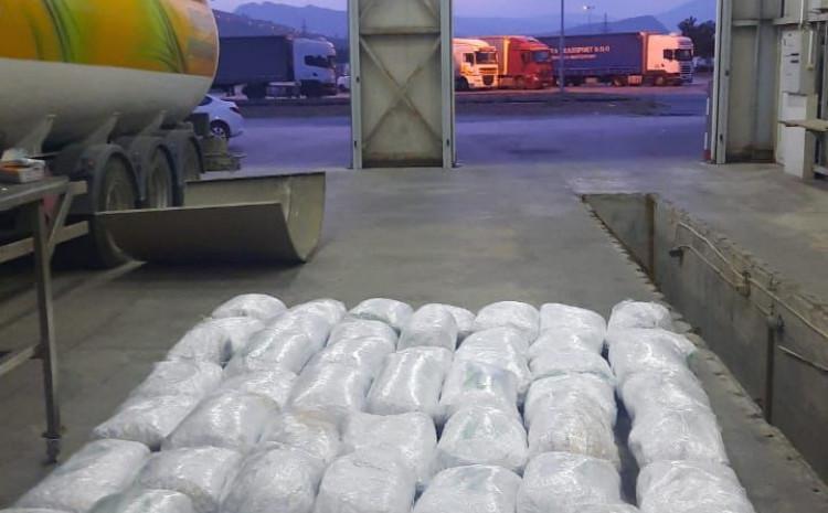 BiH državljanin u cisterni krio drogu, oduzeto skoro 300 kilograma marihuane