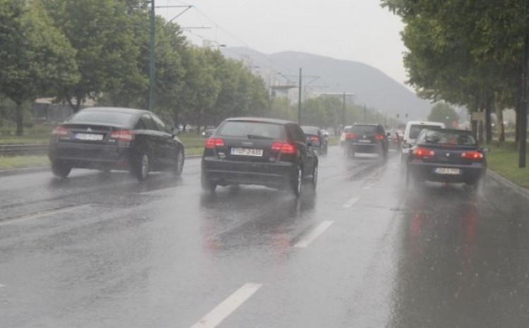BIHAMK – Jutros u BiH mokar kolovoz, savjetuje se maksimalno oprezna vožnja